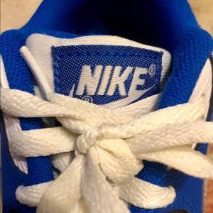 Nike Shoes - Like New- Air Max 90